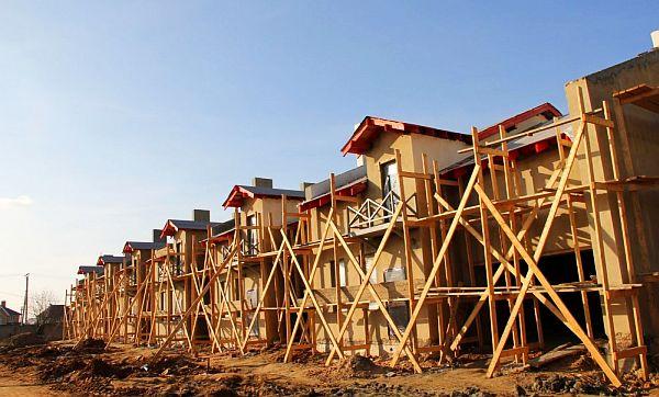 Строительство таунхаусов в коттеджном поселке Чулково Клаб