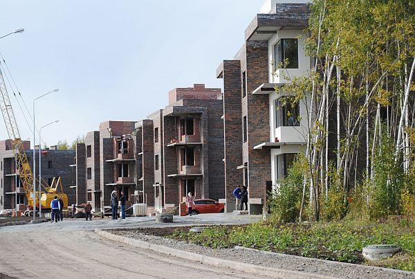 Строительство таунхаусов поселка Горки Академпарка