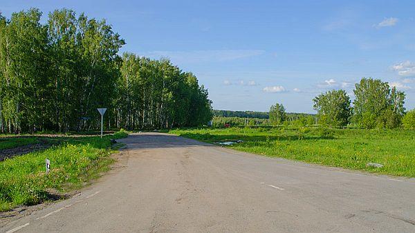 Вид на участки коттеджного посёлка «Июль» от Ленинск-Кузнецкого шоссе